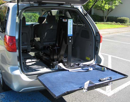Freedom Tracker Wheelchair Lift : Toyota sienna le w platform lift